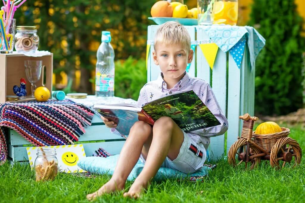 Занятия на свежем воздухе в детском саду Академия Детства