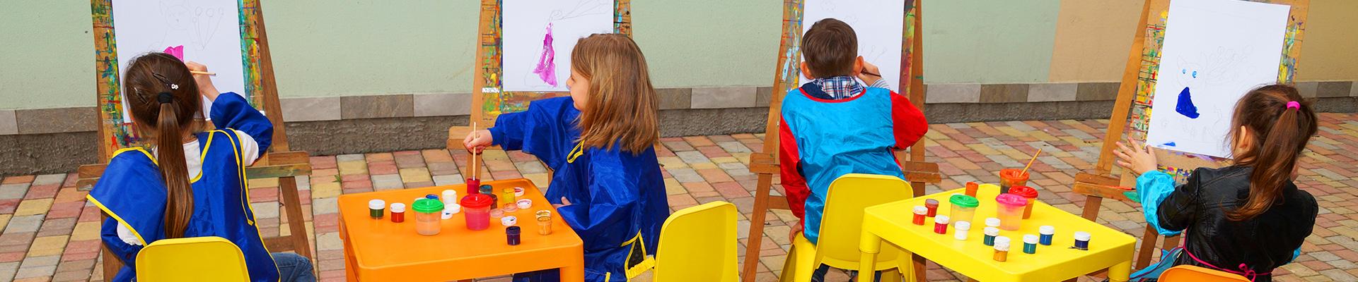 занятия живописью в детском саду Академия Детства