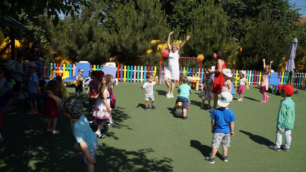 Организация прогулки в частном детском саду