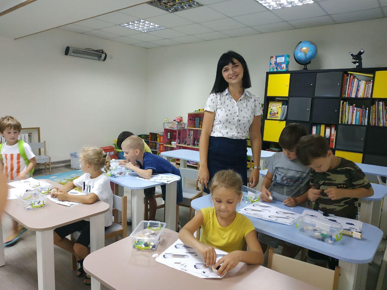 https://akademia-detstva.od.ua/app/uploads/2019/07/IMG-c5bc743c3130a02078e793ad98ade677-V.jpg